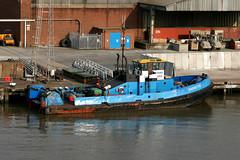 Tug - Shovette (Deans Tugs) (Howard_Pulling) Tags: camera canon boat photo ship picture vessel hull shipping humber victoriadock hpulling howardpulling