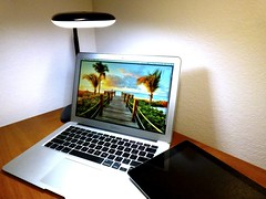 Macbook Air 2013 News May Lumiy LEDs LED Lamp1060715 (stanfordgreentrees) Tags: pro macbook macbookpro macbookair macbookproretina 15inchmacbookproretina
