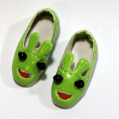 Green Cartoon Slip-On for BJD Dolls Lati Yellow, PukiFee, Riley Kish, Bobobie Nissa, DIM Silf, Dollk S00066D (dollb @ Flickr) Tags: yellow miniature shoes doll tiny bjd leffy accessory latidoll lati abjds tinybjd pukifee dollb