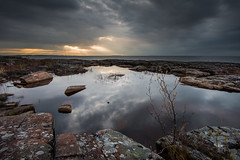 Rock pool (- David Olsson -) Tags: morning lake nature water pool clouds sunrise reflections landscape puddle dawn early nikon rocks cloudy sweden outdoor stones may rays fx vnern d800 hammar vrmland 1635 smalltree 1635mm lakescape fiskevik 2013 2exposures bonsudden manualblend flickroid fiskvik manuallyblended davidolsson rggrdsviken 1635vr