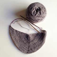 Beginnings of a shawl. (jenschuetz) Tags: wool triangular pattern viajante ravelry intheround skein fingering merino madelinetosh variegated grey yarn wrap shawl increase garter stitch knit knitting crafty diy flickriosapp:filter=nofilter uploaded:by=flickrmobile