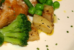 Free Range Chicken Breast, BBQ Sauce, Garden Peas, Broccoli, Parmentier Potatoes (Tony Worrall) Tags: food color green english chicken menu nice colours dish sauce cook tasty plate eaten images meat made eat foodporn smell meal ingredients peas taste dishes cooked items veg mealtime samples grub prep iatethis pototoes foodphotography nicefood foodshots chickendish foodimages ©2013tonyworrall