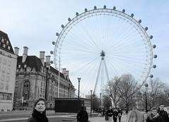 The London Eye (Inklaar) Tags: england london unitedkingdom londoneye southbank ferriswheel ineke engeland 2012 reuzenrad londen selectivecolor selectivecolour x100 verenigdkoninkrijk fujifilmx100 inklaar:see=all