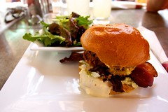 Hamburger (CruisAir) Tags: food plate meat hamburger meal bun cruisair