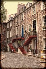 Ramsay Garden, Edinburgh (FotoFling Scotland) Tags: edinburgh oldtown ramsaygarden