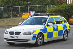 Hampshire Police Roads Policing Unit BMW 530d Traffic Car 4570 - HX58 FVJ (IOW 999 Pics) Tags: robin car traffic hill police hampshire bmw roads isle wight bestival interceptor unit constabulary policing 530d 2013 anpr hx58fvj