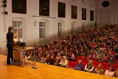 Orientierungstag 2013 in der Großen Aula der Paris-Lodron-Universität Salzburg (Universität Salzburg (NaWi-AV-Studio)) Tags: paris salzburg day plus welcome 55 information orientierungstag 2013 lodron unisalzburg studierende universitätsalzburg groseaula