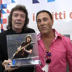 "Steve Hackett- Sabino  stand NUOVOIMAIEMogavero <a style=""margin-left:10px; font-size:0.8em;"" href=""http://www.flickr.com/photos/124218413@N03/30028512481/"" target=""_blank"">@flickr</a>"