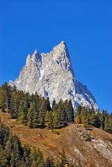 Valle d'Aosta (marcoosson) Tags: valledaosta mountain montagne montagna mountains escursioni photooftheday photographs photographers italia italy