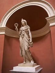 PA312165 (simonrwilkinson) Tags: stourhead stourton warminster wiltshire nationaltrust nt pantheon classical sculpture