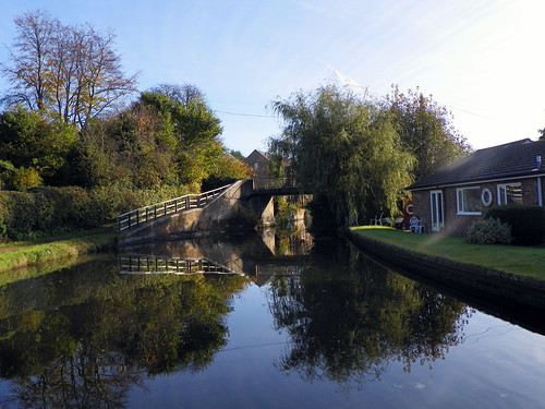 Grand Union Canal Bridge 143, Berkhamsted