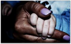 iGi (carlini.sonia) Tags: lorenzo mano bimbo zia sonia battesimo dolcezza gioia bambino madrina nipote neonato tenerezza thegalaxy amoredellazia