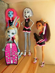The MH Team (FrankenGhoul) Tags: cam fearleader frankiestein lagoonablue monsterhigh clawdeenwolf