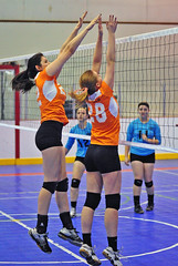 122 (SJH Foto) Tags: school girls club high team jump jim age volleyball block gps rife
