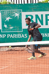 BNP Paribas Primrose Bordeaux 2013 - Gal Monfils (9) (Val_tho) Tags: france sport canon french eos thomas bordeaux atp tennis mai tournament gael terre canoneos bnp challenger francais coup primrose valadon droit bnpparibas forehand canonef70200mmf28lusm canon70200f28l monfils 2013 battue 70200mmf28 terrebattue 400d eos400d canon70200mm28lusm coupdroit villaprimrose thomasvaladon moskitom
