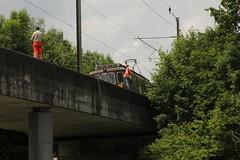 Brckenmesszug mit BLS Ltschbergbahn Lokomotive Re 4/4 169 Bnigen - 179 Bern ( Ex BN ) - Autoverlad Steuerwagen BDt 50 85 80 - 35 957 - 0 und Re 4/4 181 Interlaken auf der Spannbeton Brcke ber die Autobahn A1 ( Lnge 87m - Sttzweite 82m )  bei Ferenb (chrchr_75) Tags: juni train de tren schweiz switzerland suisse suiza swiss eisenbahn railway zug sua locomotive bern christoph svizzera bls bahn treno chemin centralstation sveits fer locomotora tog juna lokomotive lok sviss ferrovia zwitserland sveitsi spoorweg suissa locomotiva lokomotiv ferroviaria  locomotief chrigu ltschberg  szwajcaria rautatie 1306   2013 zoug trainen ltschbergbahn  chrchr hurni chrchr75 chriguhurni albumblsltschbergbahn chriguhurnibluemailch albumbahnenderschweiz2013162