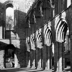 Jedburgh Abbey (itmpa) Tags: slr monochrome abbey canon square scotland nave crop cropped desaturated stmary historicscotland stmarys 30d 12thcentury jedburgh scottishborders jedburghabbey canon30d augistinian davidi tomparnell itmpa archhist c1138