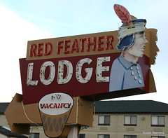 Red Feather Lodge (Susan Stienstra) Tags: arizona grandcanyon lodge vintagesign grandcanyonnationalpark redfeatherlodge