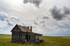 Man-shack (TigerPal) Tags: saskatchewan sask transcanada prairie plains backroads exploration rurex rural ruraldecay dustyroad gravelroad oncewashome ruin house homestead farm parkbeg