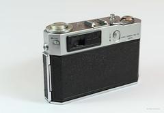 Aires Viscount M2.8 on Display (03) (Hans Kerensky) Tags: aires viscount m28 display japanese 35mm rangefinder camera lens q coral 128 45cm
