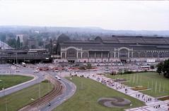 N5002_19850720_Dresden_Fuji_HR200_G03_20 (Rails Wheels Stone) Tags: eastgermany dresden station tramlines tram