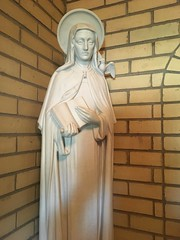 St Teresa of vila (Lawrence OP) Tags: teresaofavila doctorofthechurch statue carmelite monastery nuns loretto pa dove book