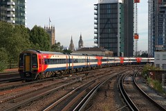 159003 (40011 MAURETANIA) Tags: vauxhall southwesttrains southwest swt blue red class 450 455 456 444 458 159 waterloo train unit emu electricmultipleunit parliament housesofparliament