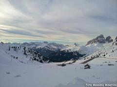 Panorama Dolomitico (Massimo Minervini) Tags: dolomiti dolomiten montagna mountain panorama passopordoi promontorio neve snow paradise lanscape trentino unesco