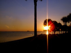 The day is setting down (Yalila Guiselle) Tags: sunset sun miami keybiscayne light beach