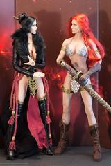 Verycool Raksa and Red Sonja (edwicks_toybox) Tags: 16scale asuraonline executivereplicas femaleactionfigure mage magicuser phicen raksa redsonja seamlessbody tencent verycool