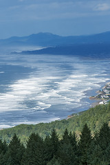Yachats from near the top of the Amanda Trail (acase1968) Tags: cape perpetua lookout nikon d500 nikkor 70300mm pacific ocean oregon coast partly cloudy sun amandatrail