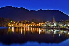 Ora blu sul lago di Mergozzo (frank28883) Tags: orablu lagomergozzo autunno luci riflessi luciriflesse notturno verbanocusioossola mergozzo
