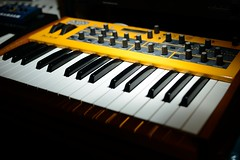 DSI Mopho (Flxzr) Tags: yellow nikon keyboard flash synth synthesizer mopho d800 dsimopho