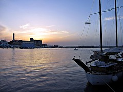 IMG_3378(2) (leocicosimo) Tags: blue sunset sea sky italy skyline clouds port boats italia tramonto nuvole mare blu barche vela oldport albero azzurro puglia adriatico apulia monopoli portovecchio pescherecci