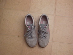 CIMG3259 (CallalilyGazer) Tags: pumas dirtyshoes tennisshoes oldshoes stinkysneakers