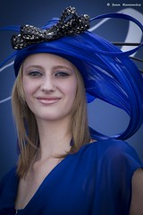 Rhapsody in blue (Jean Ka) Tags: portrait woman france hat photography photo frankreich europa europe foto femme frau chantilly horserace pferderennen coursehippique 16062013
