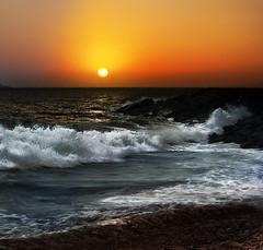 """Abierto hasta el amanecer"" (RosiLeo) Tags: sunset sea sun sol night sunrise atardecer mar tramonto waves alba paisaje clear amanecer mari beaches sunrises sole paysage landschaft olas banks  playas seas mares onde spiagge paisatges orillas albe amaneceres banche paesaggiodimare rosileo sadacrisanrosileo12 sealandscape"