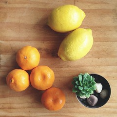 Mandarins and Lemons (Hueystar) Tags: wood orange smart yellow mobile fruit lemon phone 5 mandarin citrus iphone instagram vscocam