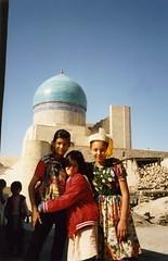 Uzbekistan - Boukhara, young girls