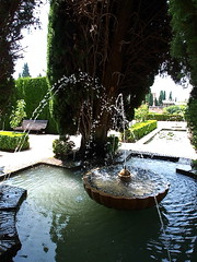The Alhambra and the Generalife (kyweb) Tags: fountain garden spain europe military muslim palace unesco mohammed monarch alhambra moorish granada andalusia sierranevada alhamar fortress alcazaba generalife albaicn   nasrid albayzn    albayzin comares    granadan