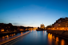 _MG_2921-2 (_NicoDem_) Tags: light paris france colors night canon cathedral mark couleurs notredame cathdrale ii 5d nuit 5dmarkii 5dmkii
