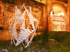 Monumeti precari (Luca Zanta) Tags: bamboo arena monumenti precari romana padova struttura installazione