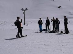 Ski en costard cravatte - ski with smart suit