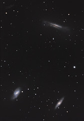 Leo triplet of galaxies (M65, M66 and NGC3628) (Abel de Burgos) Tags: sky canon stars galaxy astrophotography astrofotografia galaxies messier universe 6d m65 m66