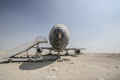 Abandoned Tristar in Abu Dhabi (ToTheBrighterSide) Tags: plane aviation bird birds pigeon jet abandoned urbex desert sand abu dhabi dubai sun weather exposure light colour color tone