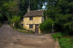 Bibury / Arlington Row / Gloucestershire / UK 2016 (zilverbat.) Tags: engeland travel visit image tripadvisor europa country zilverbat europe unitedkingdom england uk heritage architecture building arlingtonrow gloucestershire landscape house lonesome trees road bricks postcard countryhome