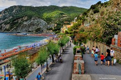 Monterosso al Mare (one of 5 villages that make up CT) (Rex Montalban Photography) Tags: rexmontalbanphotography italy cinqueterre monterossoalmare