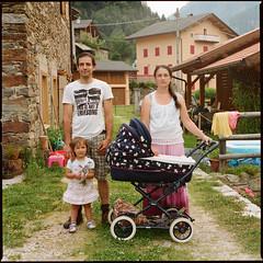Italians (giancarlo rado) Tags: famiglia family roncodicanalsanbovo coppia couple hasselblad planar10035 provinciaditrento portrait ritratto