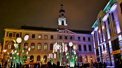 Town Hall Square in Old Town of Riga, Latvia. November 17, 2016 (Aris Jansons) Tags: radnice townhall rathaus cityhall hoteldeville latvia riga rīga latvija europe baltic lotyšsko townhallsquare lightfestival buildings 2016 facade