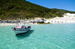 Arraial do Cabo, Rio de Janeiro, Brasil (@giovanicordioli | gmcordioli@gmail.com) Tags: summer brazil sky beach nature water brasil riodejaneiro boat paradise arraialdocabo